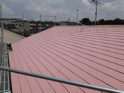 相模原市中央区小山で台風後にお住まい点検、不具合の出ていた棟板金を交換して屋根塗装を行いました、施工後写真