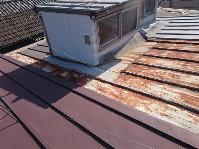 金属屋根のメンテナンスは塗装か葺き替え工事|川崎市多摩区