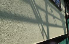 アクリル100%塗料で外壁塗装したお住まい 2階部分