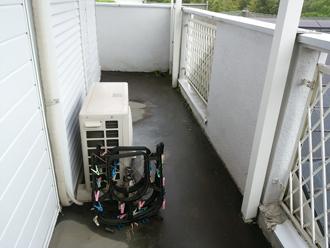 雨漏りを引き起こしているバルコニー