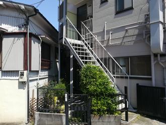 塗装前の鉄骨階段
