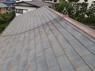 相模原市中央区小山で台風後にお住まい点検、不具合の出ていた棟板金を交換して屋根塗装を行いました、施工前写真