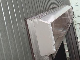 シーリング打替え前の外壁のシャッターボックス