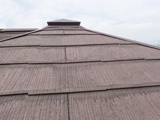小田原市小船にてファインパーフェクトベストで傷んだスレート屋根を塗装してリフレッシュ、施工前写真