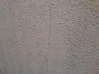 横浜市中区太田町にてお住まいの点検調査、クラックが発生しやすいモルタル外壁にはエラストコートでの塗装がおすすめです