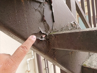 川崎市多摩区生田でサビが酷くなる前にアパートの鉄骨階段塗装工事