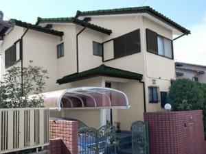外壁:アイボリー 屋根:ウェザードグリーン