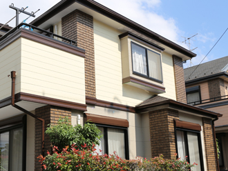 綺麗に塗装された外壁の住宅
