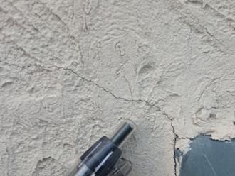 鎌倉市台にて外壁の調査、クラックが発生しやすいモルタルには弾性に優れたエラストコートでの塗装がオススメです