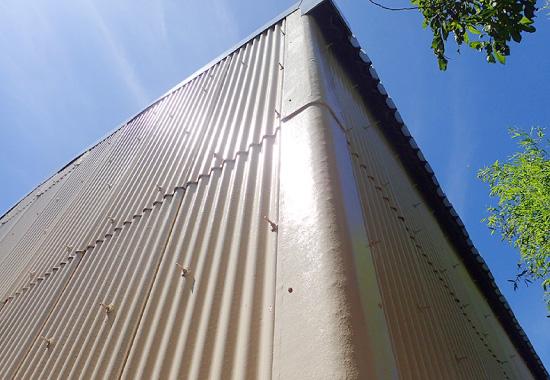 波板外壁の塗装メンテナンス