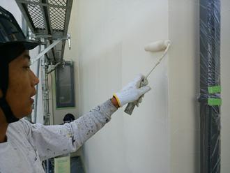 外壁塗装中塗り
