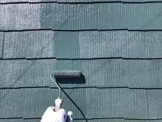 川崎市宮前区神木本町にてファインパーフェクトベストのモスグリーンにて屋根塗装