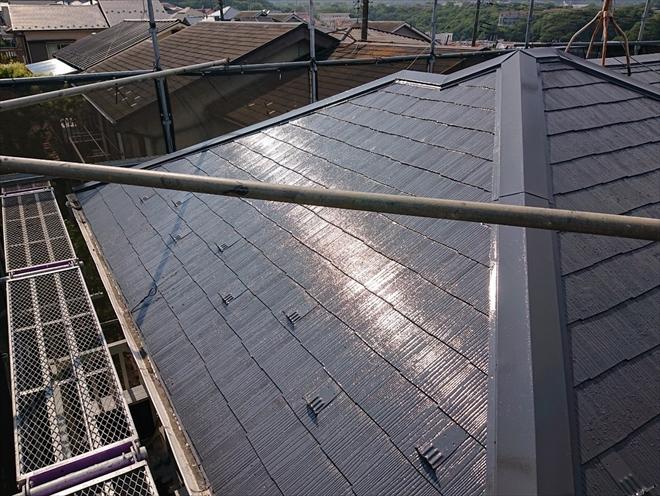 横須賀市平作にてガルバリウム鋼板で棟板金交換、ファインパーフェクトベストで屋根塗装を行いました