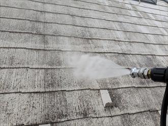 屋根洗浄の様子
