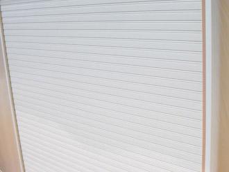 厚木市 塗装工事 吹き付け塗装後の雨戸