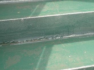 歩行面がの塗膜が薄くなっている