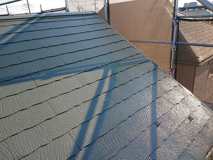 仕上げ塗り2階で屋根塗装完了
