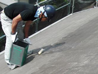 厚木市 屋根塗装 下塗り
